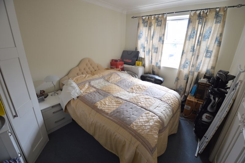 1 bedroom Flat to buy in Earls Meade, Luton - Photo 5