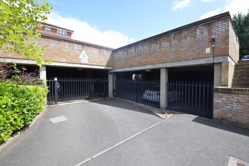 1 bedroom Flat to buy in Earls Meade, Luton - Photo 6