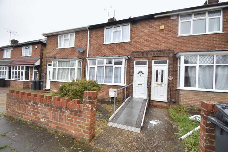 2 bedroom Mid Terrace to buy in Applecroft Road, Luton