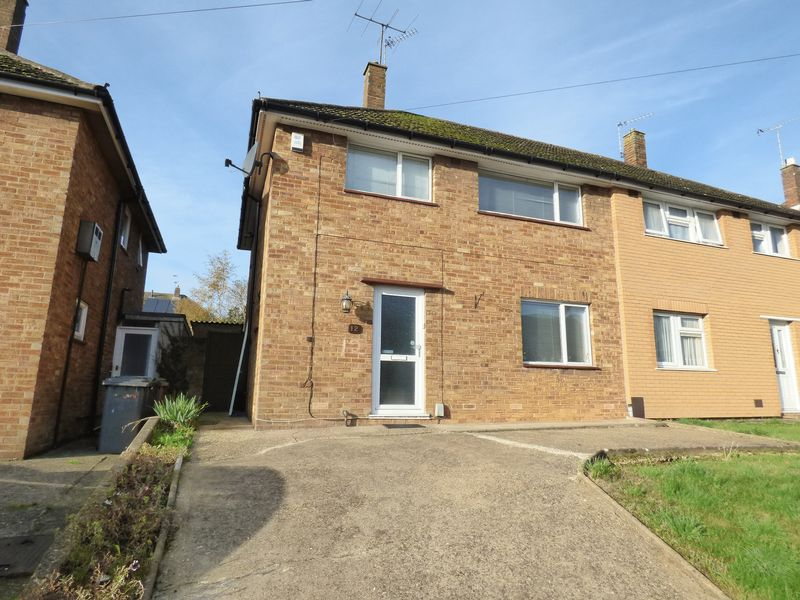 3 bedroom Semi-Detached  to buy in Chalton Road, Luton