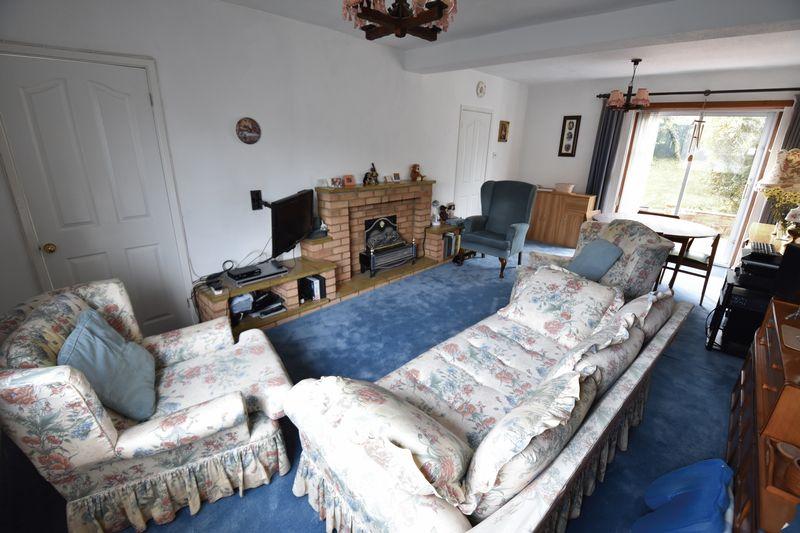 3 bedroom Semi-Detached  to buy in Chalton Road, Luton - Lounge/Diner