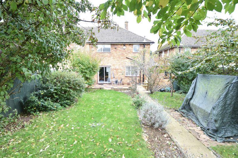 3 bedroom Semi-Detached  to buy in Chalton Road, Luton - Garden 4