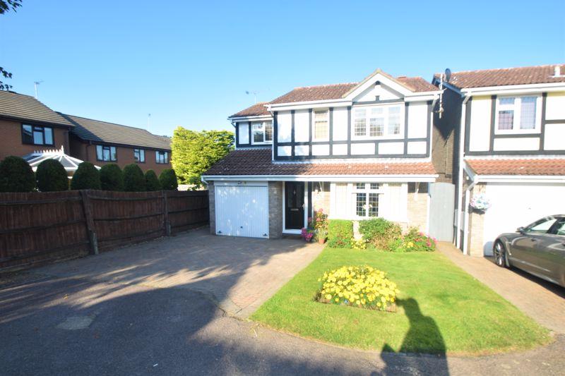 4 bedroom Detached  to buy in Rylands Heath, Luton