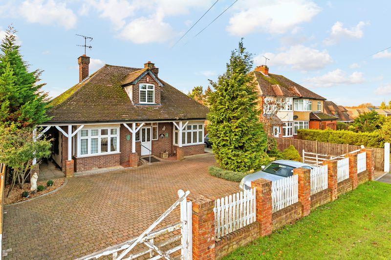4 bedroom  to buy in Barton Road, Luton