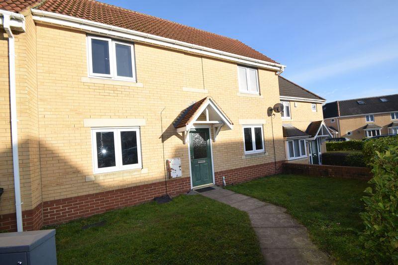 3 bedroom Semi-Detached  to buy in Hutton Close, Luton