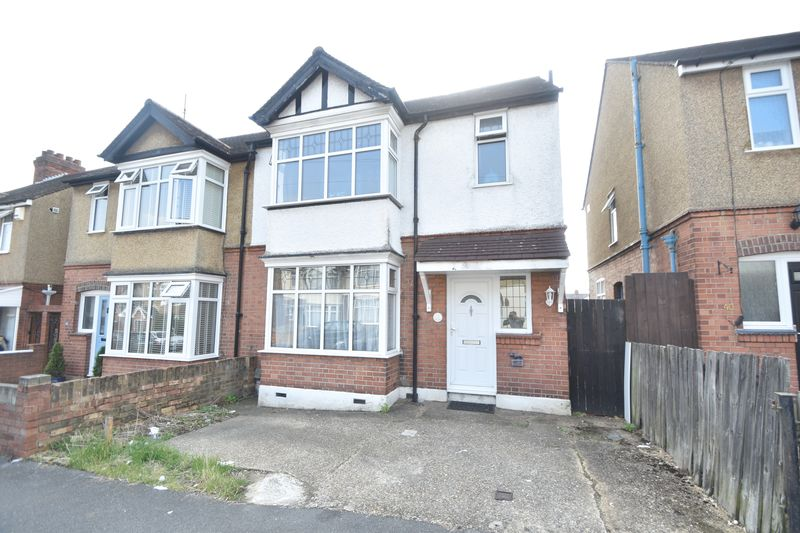 3 bedroom Semi-Detached  to buy in Norfolk Road, Luton