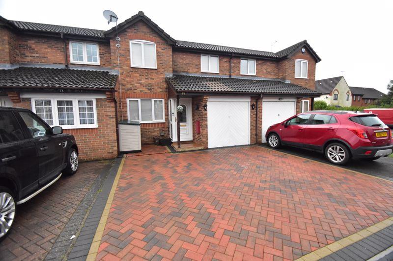 3 bedroom Mid Terrace to buy in Furze Close, Luton