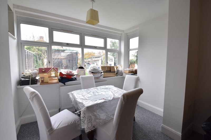 3 bedroom Semi-Detached  to rent in Stockingstone Road, Luton - Photo 5