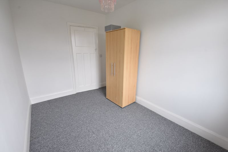 3 bedroom Semi-Detached  to rent in Stockingstone Road, Luton - Photo 11