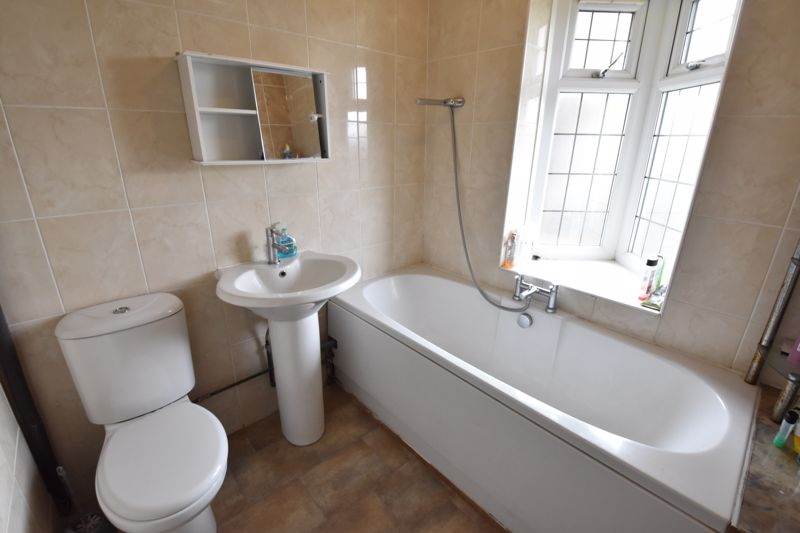 3 bedroom Semi-Detached  to rent in Stockingstone Road, Luton - Photo 23