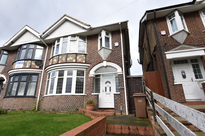 3 bedroom Semi-Detached  to rent in Stockingstone Road, Luton