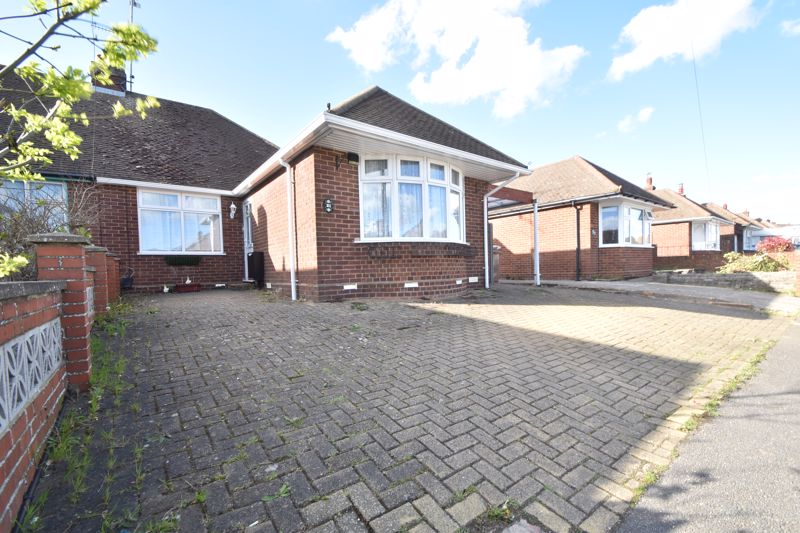 3 bedroom Bungalow to buy in Sowerby Avenue, Luton