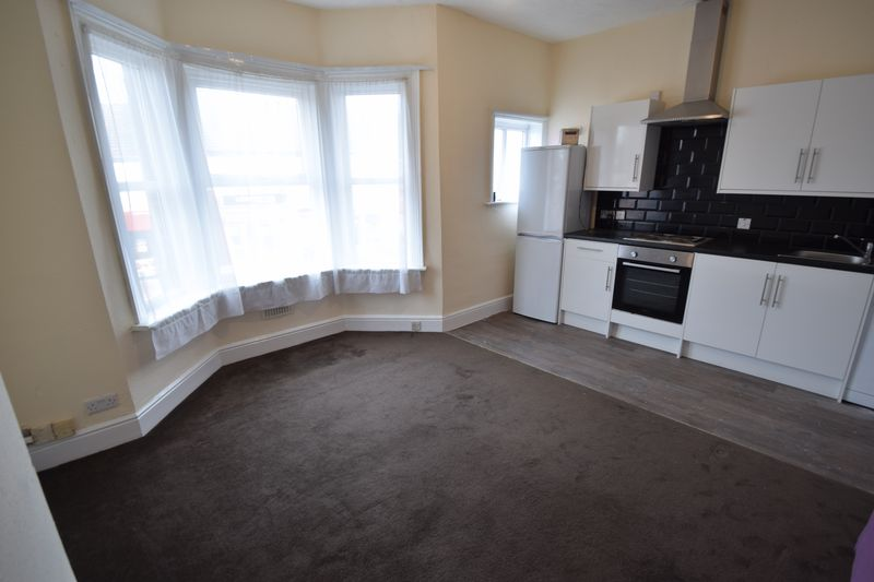 2 bedroom Flat to rent in Leagrave Road, Luton