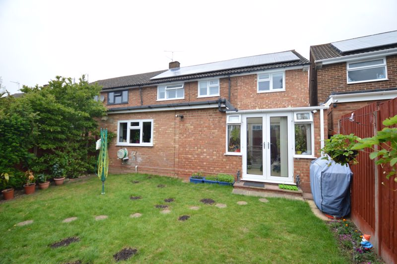 4 bedroom Semi-Detached  to buy in Dunsby Road, Luton - Photo 19