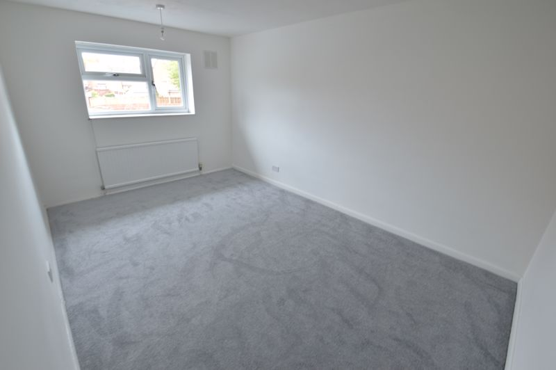 3 bedroom End Terrace to buy in Duncombe Close, Luton - Photo 7