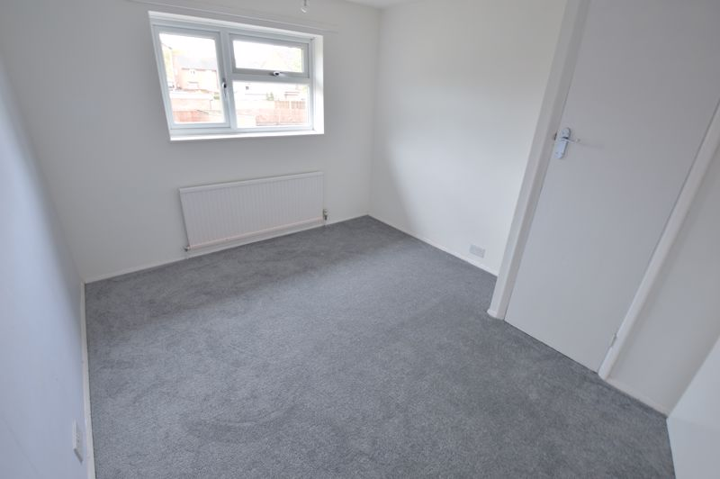 3 bedroom End Terrace to buy in Duncombe Close, Luton - Photo 8