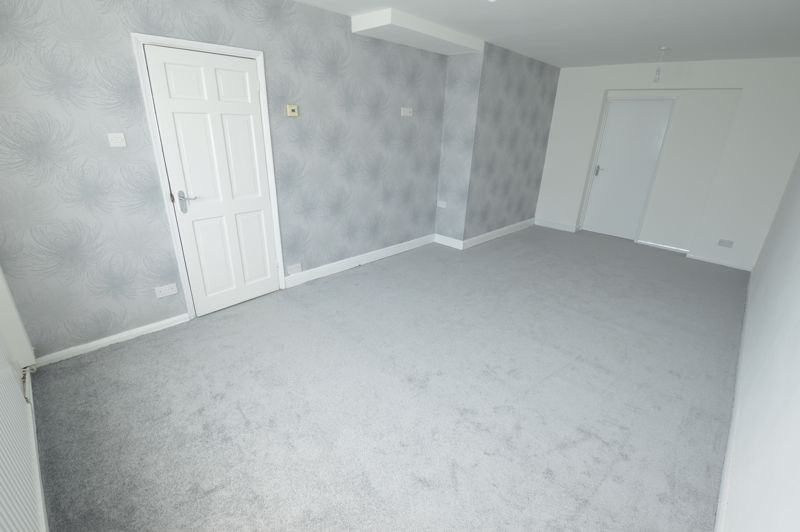 3 bedroom End Terrace to buy in Duncombe Close, Luton - Photo 19