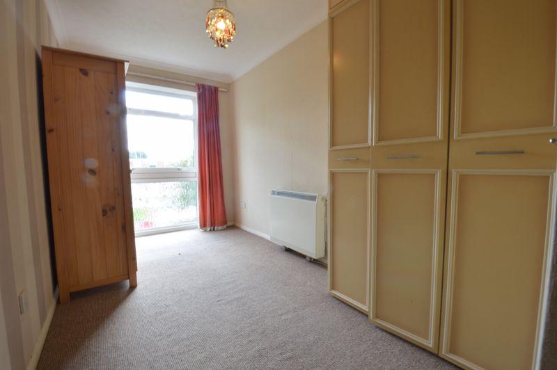 2 bedroom Apartment / Studio to buy in Elderberry Close, Luton - Photo 4