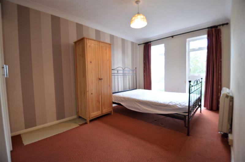 2 bedroom Apartment / Studio to buy in Elderberry Close, Luton - Photo 5