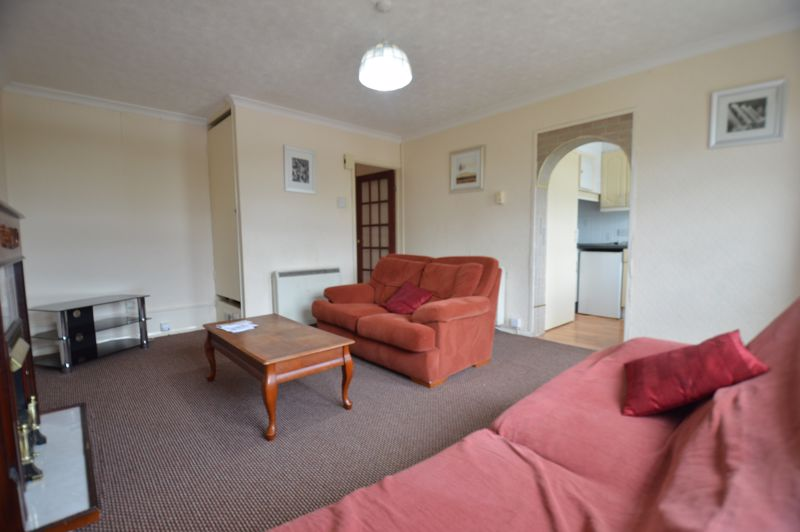 2 bedroom Apartment / Studio to buy in Elderberry Close, Luton - Photo 7