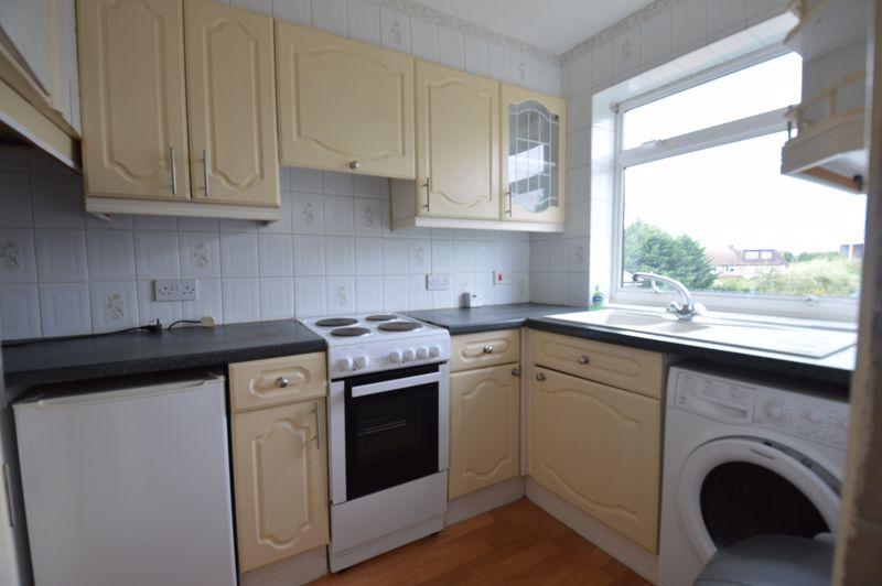 2 bedroom Apartment / Studio to buy in Elderberry Close, Luton - Photo 9