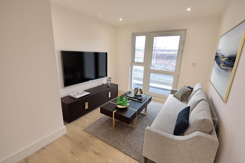 1 bedroom  to buy in Midland Road, Luton - Photo 8
