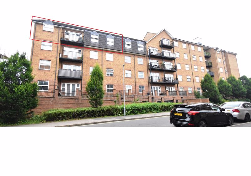2 bedroom  to buy in Holly Street, Luton