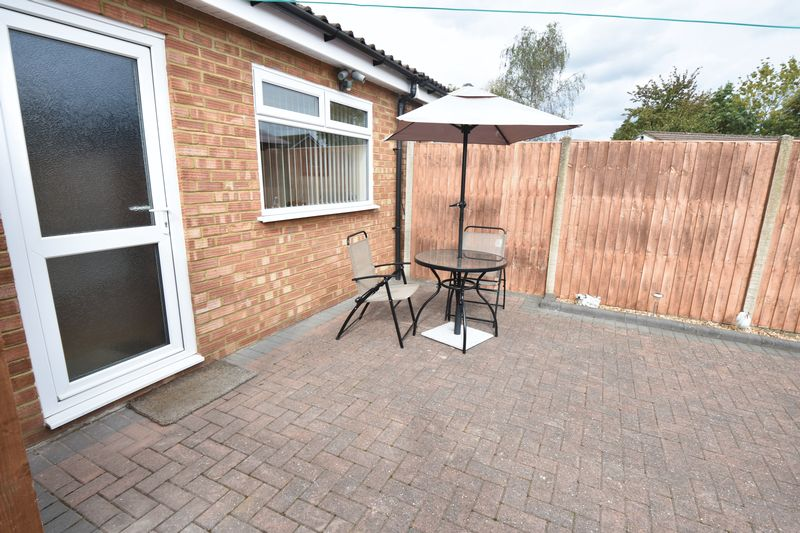 2 bedroom Semi-Detached  to buy in Eastfield Close, Luton - Photo 4