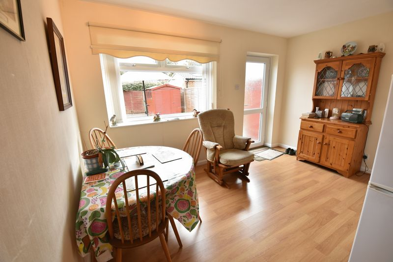 2 bedroom Semi-Detached  to buy in Eastfield Close, Luton - Photo 14