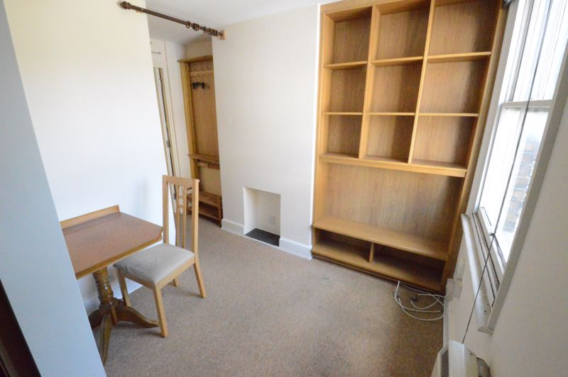 2 bedroom  to buy in High Town Road, Luton - Photo 1