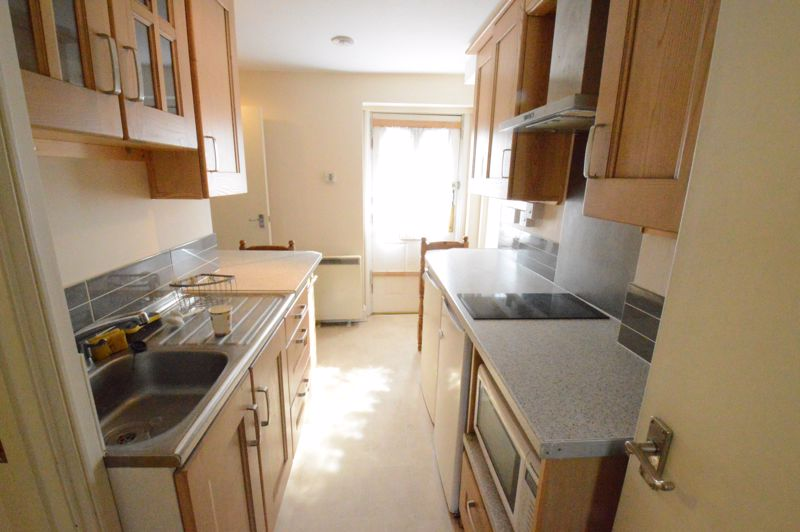 2 bedroom  to buy in High Town Road, Luton - Photo 2