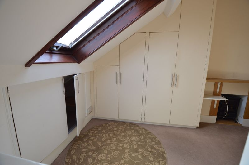 2 bedroom  to buy in High Town Road, Luton - Photo 6