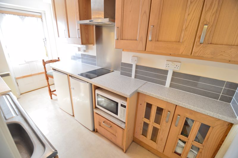 2 bedroom  to buy in High Town Road, Luton - Photo 8