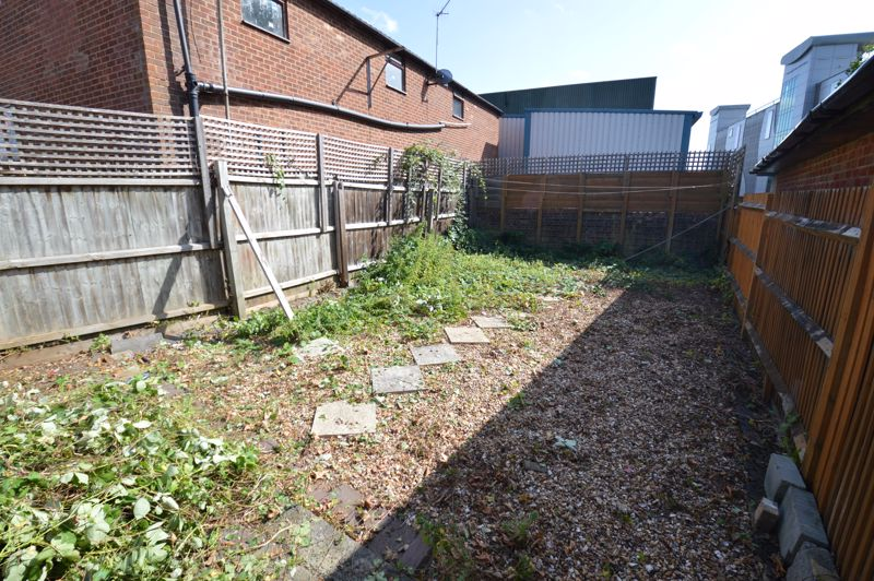 2 bedroom  to buy in High Town Road, Luton - Photo 10