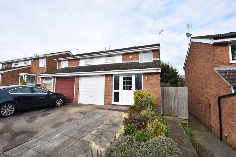 3 bedroom Semi-Detached  to buy in Buckingham Drive, Luton - Photo 1