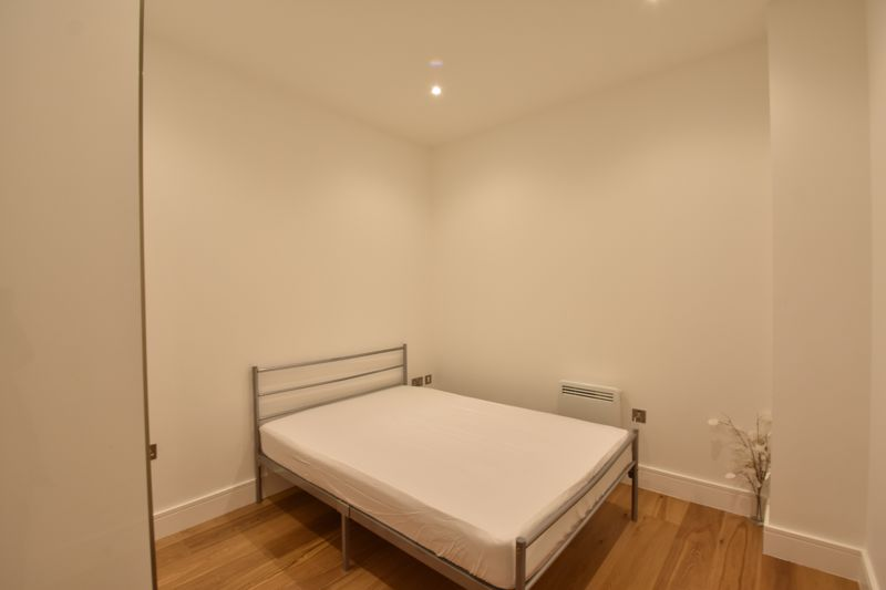 1 bedroom Flat to rent in Park Street West, Luton - Photo 9