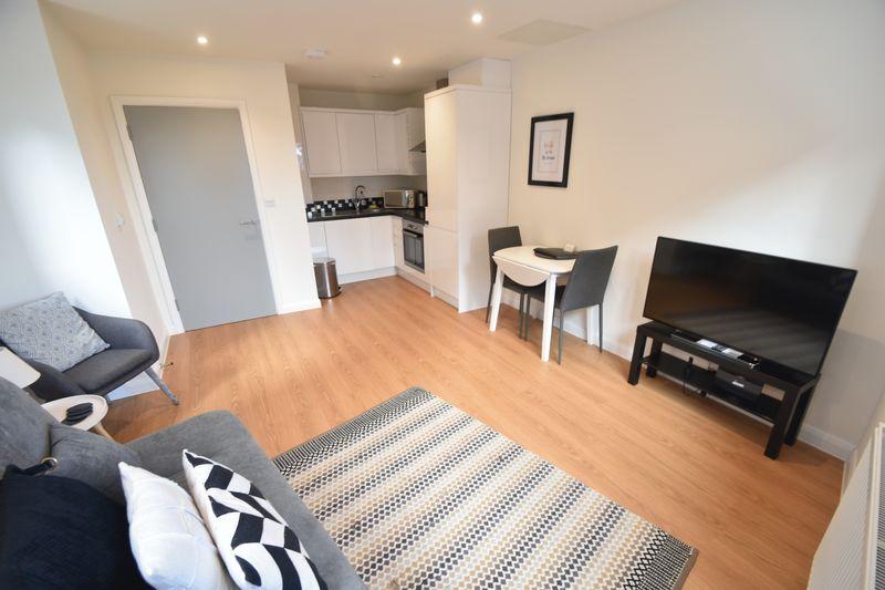 1 bedroom Flat to rent in Napier Road, Luton - Photo 2