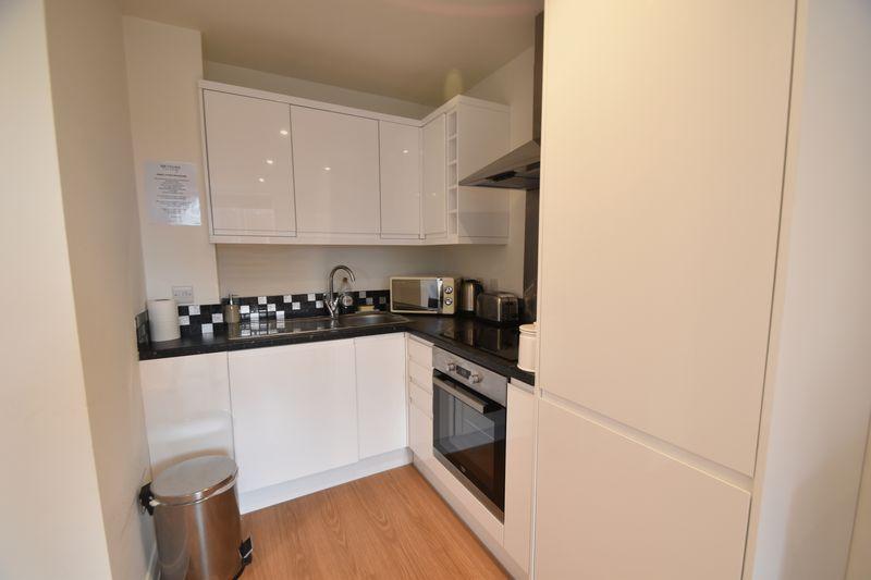 1 bedroom Flat to rent in Napier Road, Luton - Photo 3