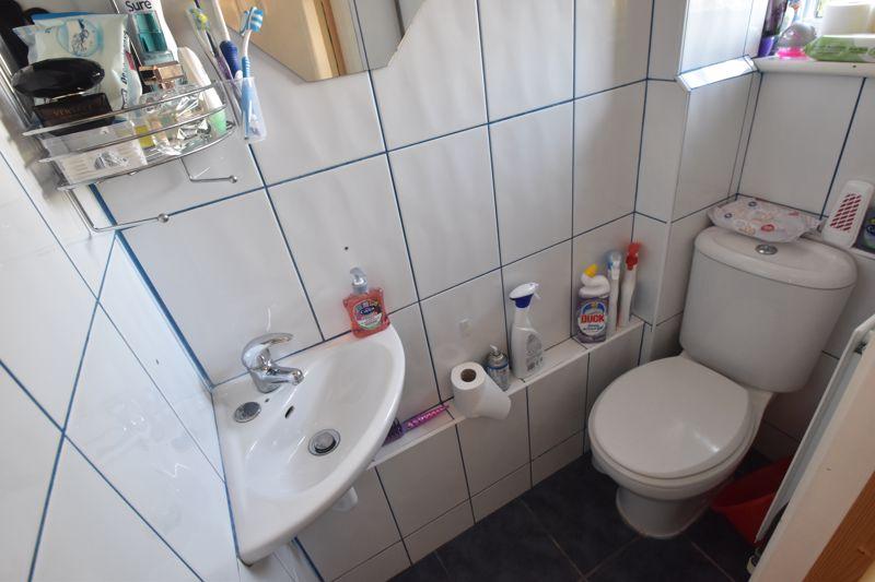 4 bedroom Mid Terrace to buy in Chelsea Gardens, Dunstable - Photo 8