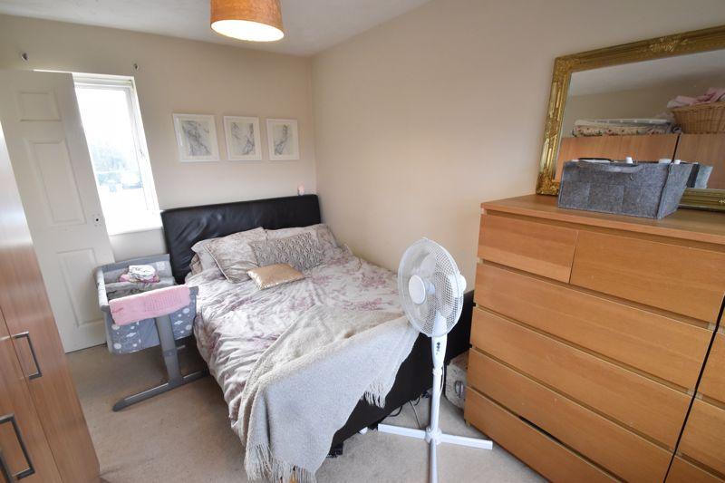 2 bedroom Mid Terrace to buy in Lucas Gardens, Luton - Photo 2