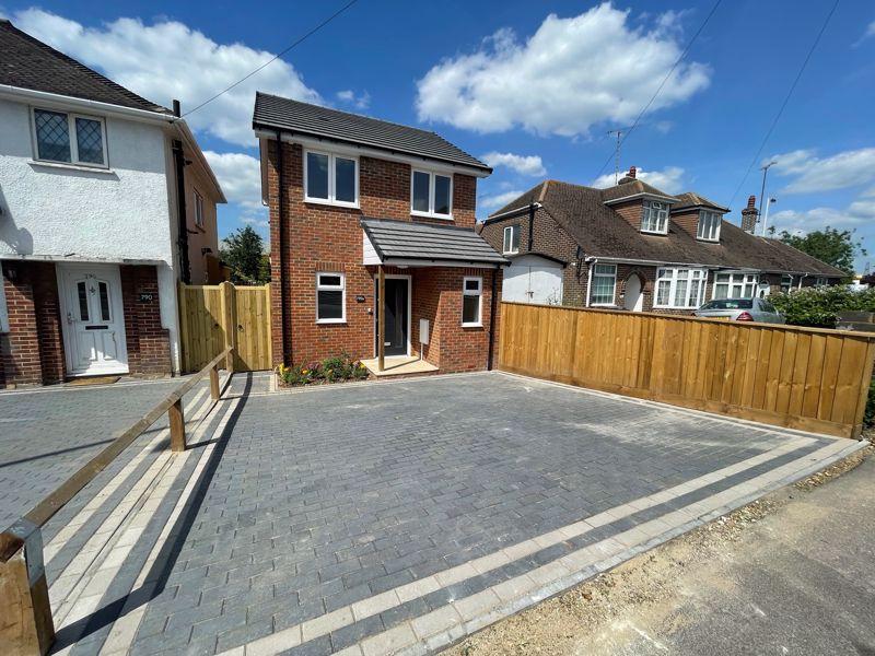 2 bedroom Detached  to buy in Dunstable Road, Luton
