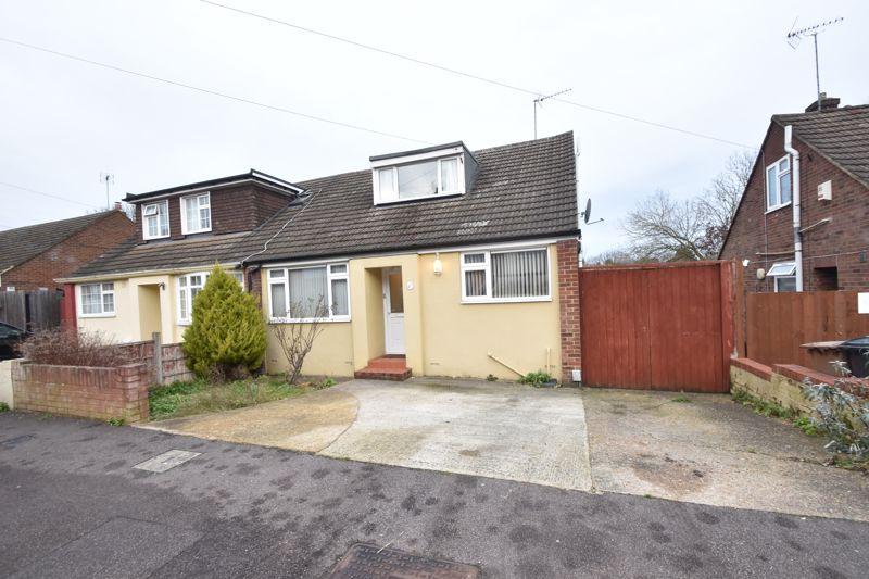 2 bedroom Semi-Detached  to buy in Saywell Road, Luton