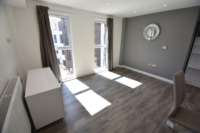 1 bedroom  to buy in Dudley Street, Luton - Photo 2