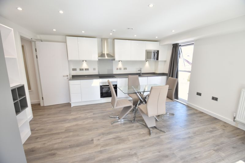 1 bedroom  to buy in Dudley Street, Luton - Photo 3