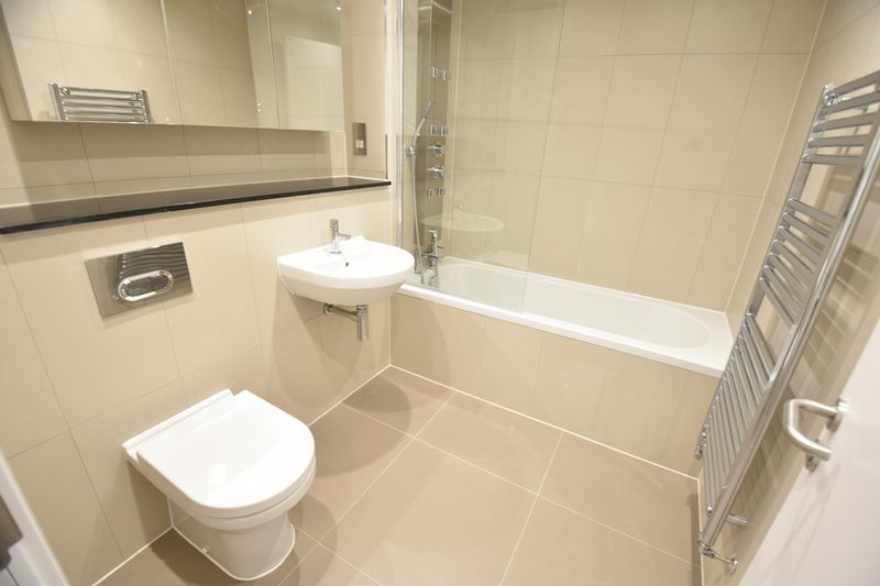 1 bedroom  to buy in Dudley Street, Luton - Photo 5