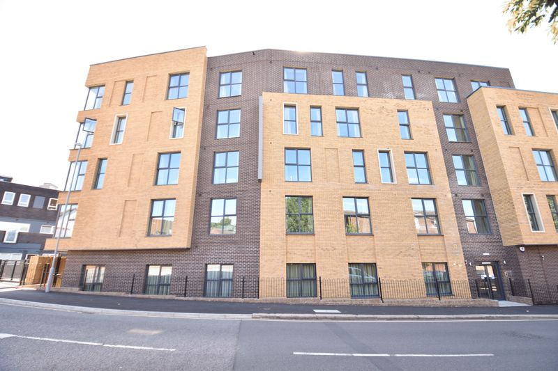 1 bedroom  to buy in Dudley Street, Luton - Photo 14