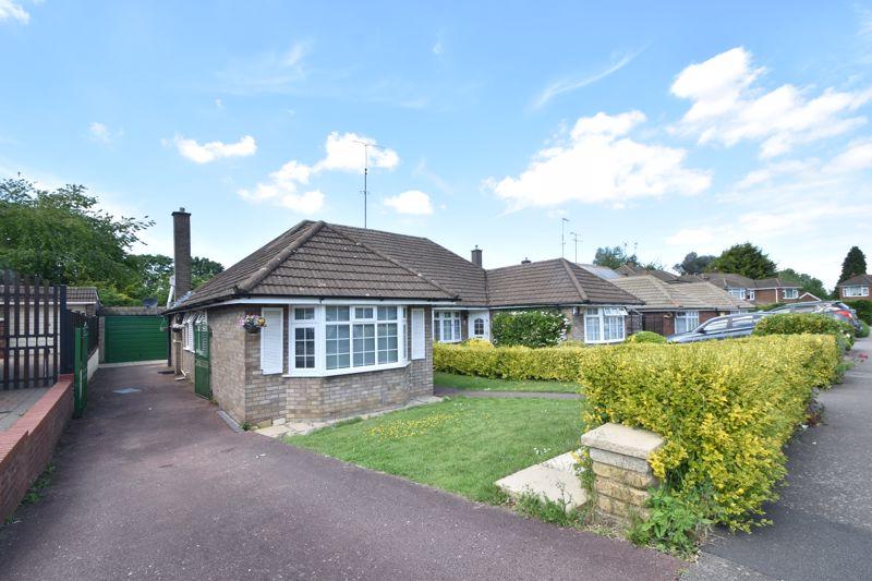 3 bedroom Bungalow to buy in Bunyans Close, Luton