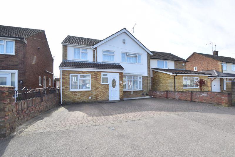 4 bedroom Semi-Detached  to buy in Watermead Road, Luton