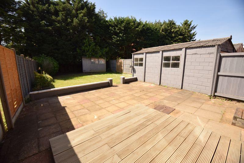 3 bedroom Semi-Detached  to buy in Gresham Close, Luton - Photo 9