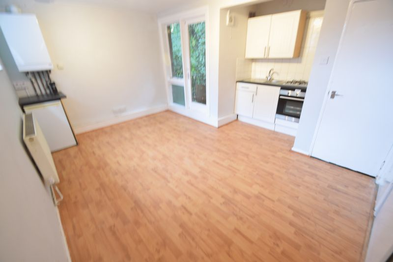 0 bedroom Flat to rent in Ruthin Close, Luton - Photo 5